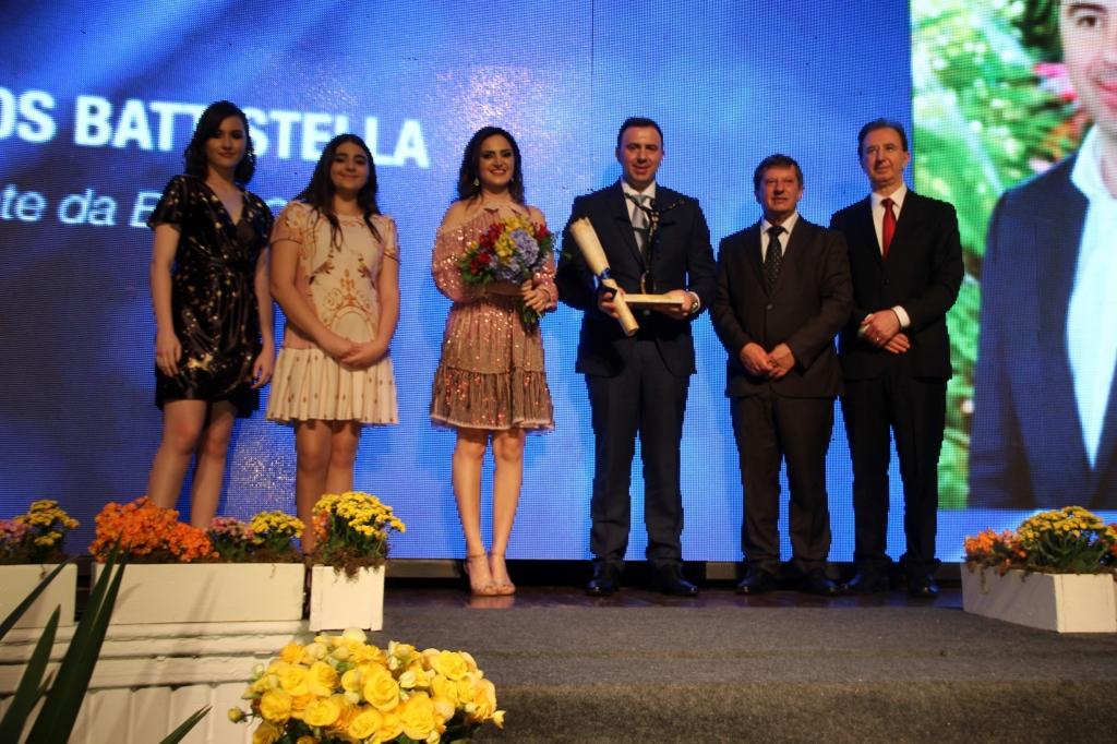 Presidente da BSBIOS recebe troféu O Equilibrista